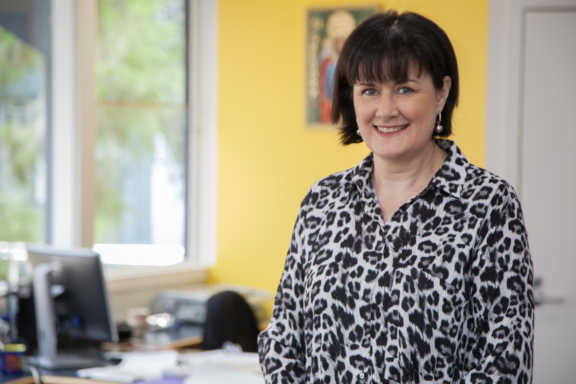 Mrs Lisa Viti